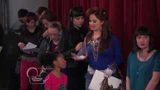 getlinkyoutube.com-Disney Jessie Best Moments from Season 1