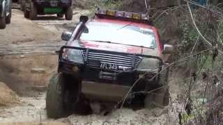 Toyota Hilux Off Road Ulu Slim 2013 4x4 (MORExtreme) Malaysia.