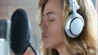 getlinkyoutube.com-Beyoncé - Heartbeat - This song is about her miscarriage (Life Is But A Dream)