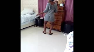 getlinkyoutube.com-Kenyan Girl Twerking her Sexxy Ass, Special Dedication To Team Mafisi.