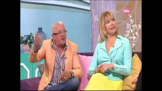 getlinkyoutube.com-Katarina Zivkovic - Gostovanje - Magazin IN - ( Tv Pink,02.05.2015 )