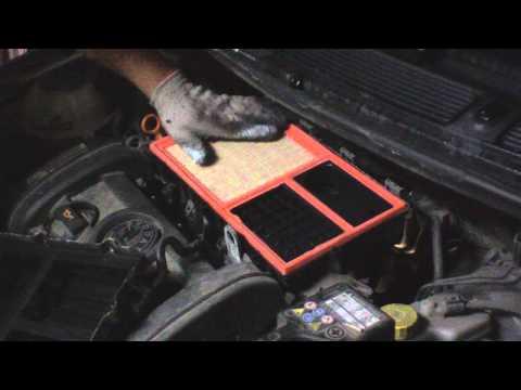 Skoda Fabia II 1.4 16V Wymiana filtru powietrza/Air filter