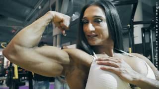 getlinkyoutube.com-Karyn Bayres training her perfect body