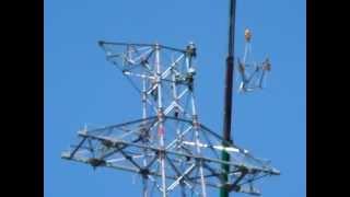 getlinkyoutube.com-見事な 地上80mでの鳶職人と クレーンオペレーターの連携作業
