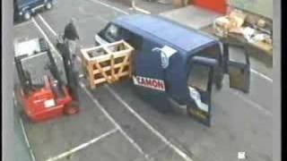 getlinkyoutube.com-Forklift and van door