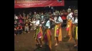 getlinkyoutube.com-Jathilan Putri Turonggo Mudho Cindelaras - TMC Sono 2012_clip2.flv