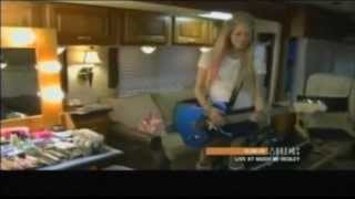 getlinkyoutube.com-Avril Lavigne Documentário Born To Be 2012 - Legendado Completo #Full #HD