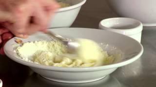 getlinkyoutube.com-Docinho de leite em pó - Tudo Gostoso