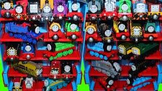 getlinkyoutube.com-THOMAS AND FRIENDS TAKE N PLAY TANK ENGINES TRAINS DIESELS COLLECTION TRENS
