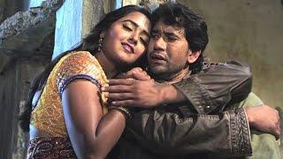 Bhojpuri Hit Song, Dinesh Lal Yadav, Kajal, Amrapali, HD - Dabe Pav Aiha Nazariya Bachake Male