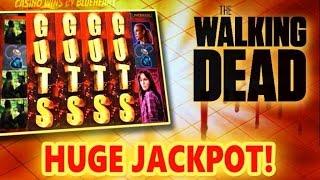 getlinkyoutube.com-** SUPER JACKPOT** The WALKING DEAD slot machine Max Bet HUGE JACKPOT HANDPAY!