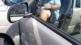 getlinkyoutube.com-Dos hombres defienden a mujer golpeada por su marido