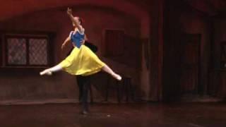 getlinkyoutube.com-Snow White and Prince- Lavrova Ballet Dance Show 2009