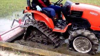 クボタトラクター GRANOVA(グラノバ) パワクロで代掻き