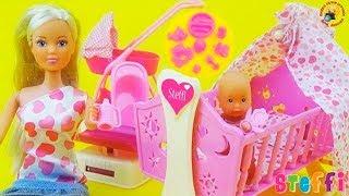 getlinkyoutube.com-Кукла Штеффи с младенцем, познавательный обзор мультфильм для девочек / Play set for kids, Baby doll