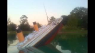 getlinkyoutube.com-Titanic Model sinks film.