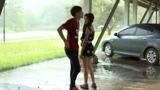 getlinkyoutube.com-ไร้ประโยชน์:วงผื้อ[Official MV]