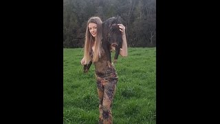 getlinkyoutube.com-Big boar round 1: pighunting with jesica episode 2: women who hunt