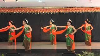getlinkyoutube.com-Tari Gambyong Pareanom oleh Sanggar Tari Sito Laras Jakarta