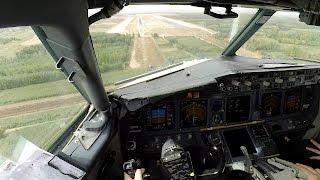 getlinkyoutube.com-Boeing 737 cockpit view, visual approach (Full HD)