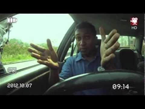 Polis Trafik Malaysia vs Pelajar Fizik