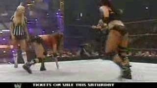 getlinkyoutube.com-Candice/Trish vs Victoria/Mickie(RAW-7/31/06)