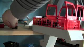 getlinkyoutube.com-Playmobil Seilbahn 5426 mit selbst gebautem Elektro-Antrieb