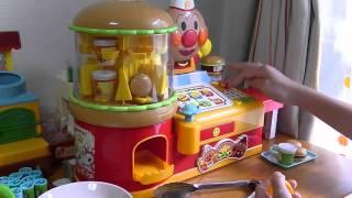 getlinkyoutube.com-Anpanman Hamburger Shop Toy アンパンマン ピピッとえらんで!でるでるハンバーガー ショップ★!