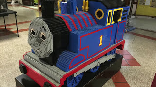 getlinkyoutube.com-GIANT LEGO Thomas the Tank Engine Train Sculpture