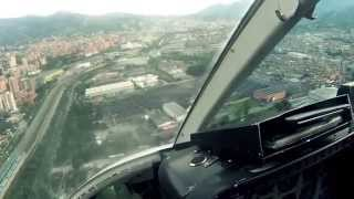 getlinkyoutube.com-Landing in Medellin
