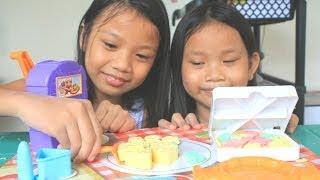 getlinkyoutube.com-Moon Dough Pan Pizza Playset Magical Molding Play Dough Kids Toy