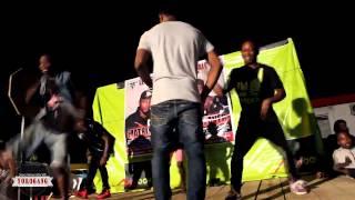 Demonstration de la Nouvelle dance de Dj Arafat