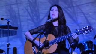 getlinkyoutube.com-con tuoi nao cho em-Nguyên Nhung du dương cùng cây guitar