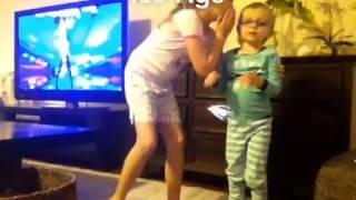 getlinkyoutube.com-3 year old pooping pants during Ellen's heads up