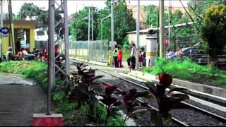 getlinkyoutube.com-KA Kricak ft CC 203 95 06 masuk stasiun Bogor
