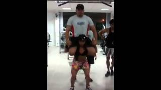 getlinkyoutube.com-Thayse Raika - Agachamento Livre com 98kg
