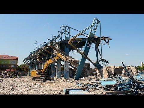 Štadión FC DAC - Búranie východnej tribúny (II. časť)