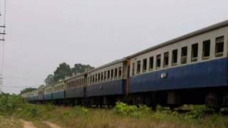 getlinkyoutube.com-้เมื่อรถไฟพังต่อหน้าต่อตา...