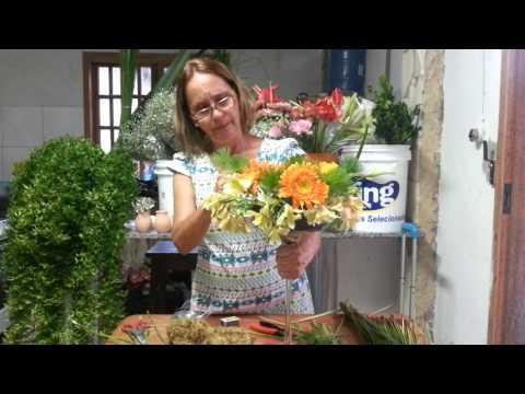 Aprenda a fazer arranjos florais para centro de mesa