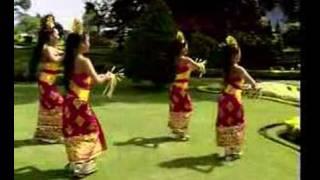 getlinkyoutube.com-Tari Pendet dari Bali Indonesia