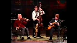 getlinkyoutube.com-Stephane Grappelli in Lisbon 1988 - Swing 42 (sounding like Baroque Music)