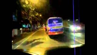 getlinkyoutube.com-Kumpulan Goyangan Bis Bismania Part 3 Awesome Bus Maneuver Compilation Part 3