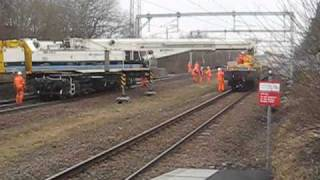 getlinkyoutube.com-Part 3 - VolkerRail Crane & tilting wagon Action 30/1/11