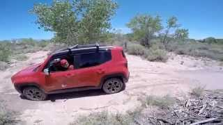 getlinkyoutube.com-Subaru Forester vs Jeep Renegade mudding