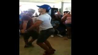 getlinkyoutube.com-3 Pajaros (Gay) Bailando (Mejor Baile 2013)