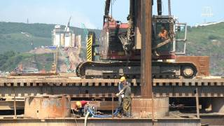 Construction of cable-stayed bridge in Vladivostok - film, January 2012