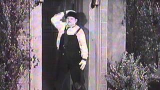 getlinkyoutube.com-Laurel & Hardy livreurs de pianos