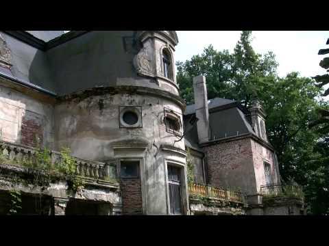 Opuszczony pałac w Kębłowicach w okolicach Wrocławia
