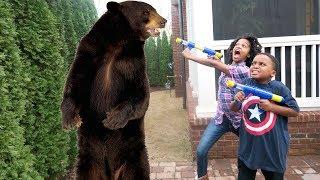 getlinkyoutube.com-Bad Baby Bear Stalker ATTACKS Shasha and Shiloh - Onyx Kids