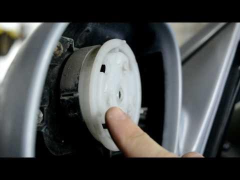 Hyundai Accent 2. Замена зеркального элемента